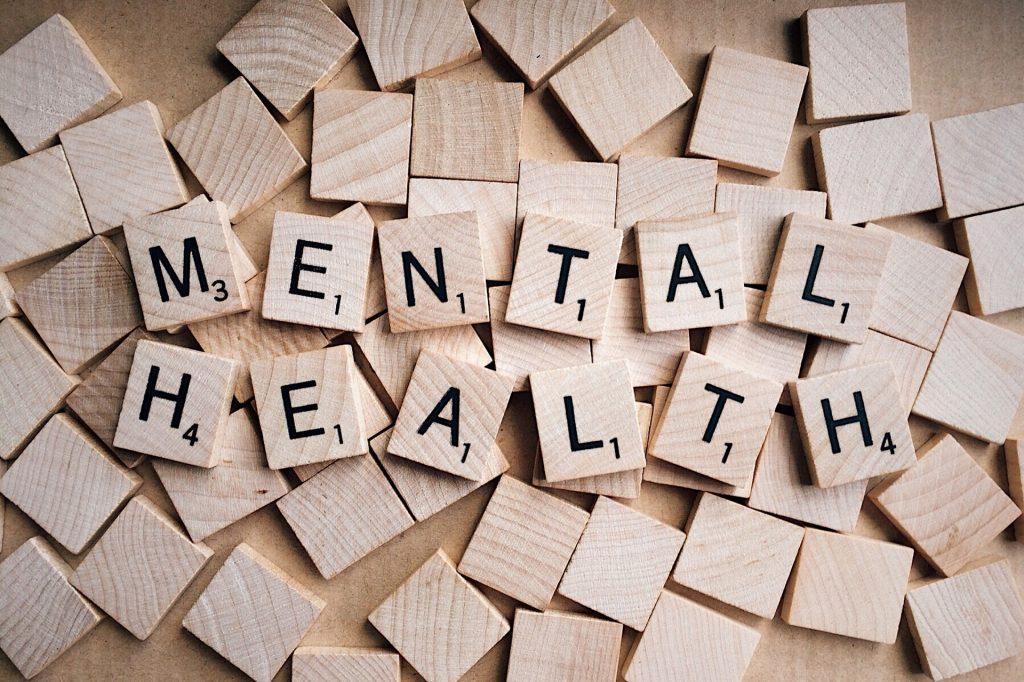 puzzle con las letras salud mental
